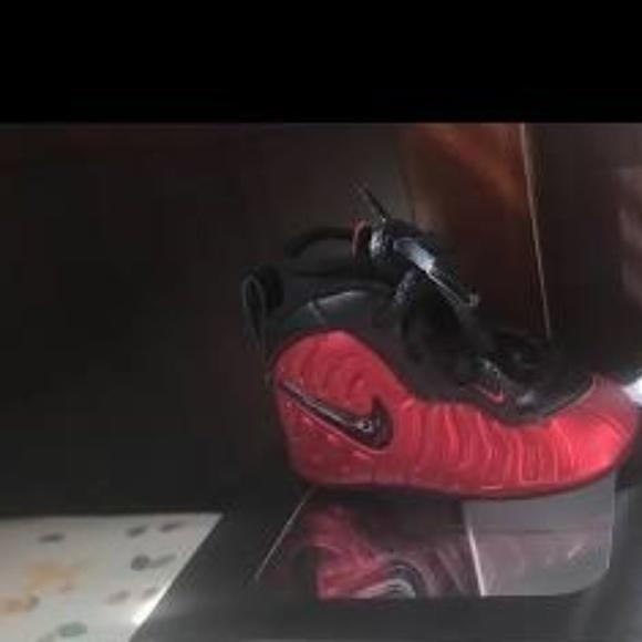 2c5b9677d92b Jordan Other - Infant Nike Foams